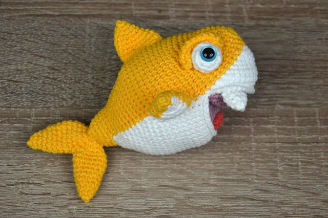 Shark Amigurumi Crochet Pattern - Amigurumi Crochet Animals ... | 426x640