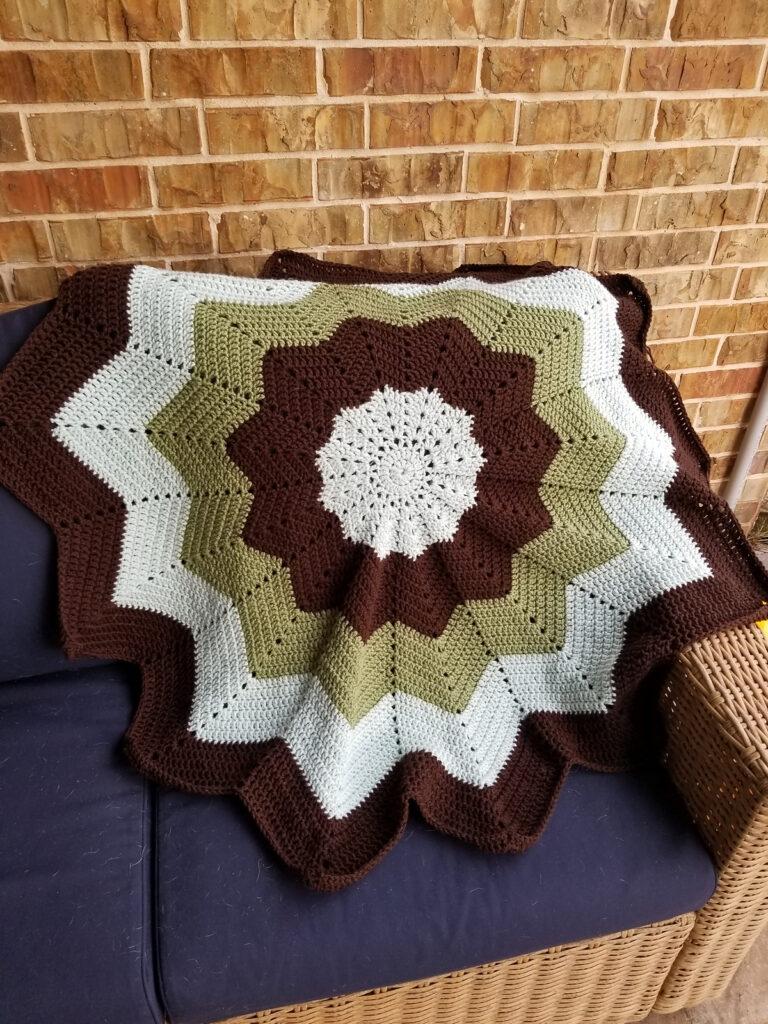 Crochet Rainbow Ripple Baby Blanket - Free Pattern